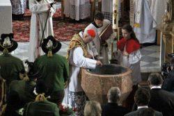 Altarweihe am 10. April 2016 mit Erzbischof em. Dr. Alois Kothgasser SDB